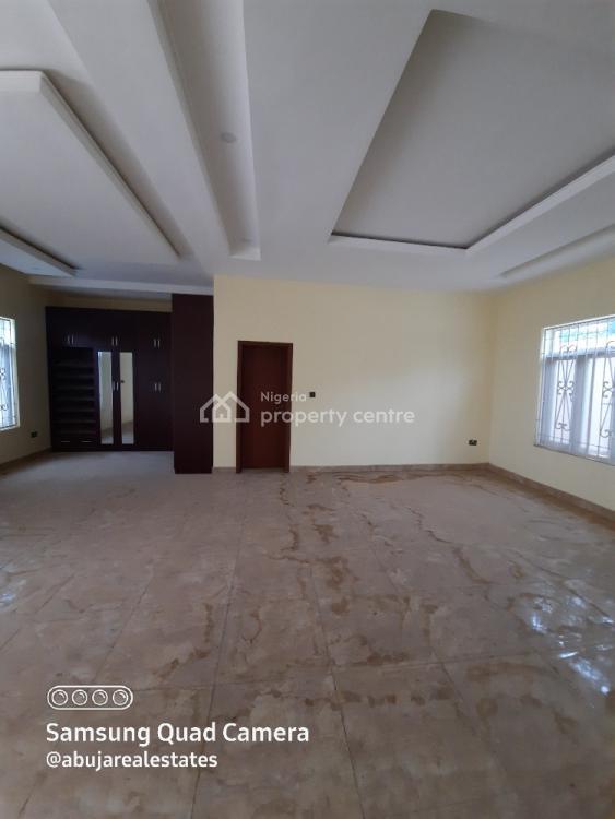 Luxury 5 Bedrooms Duplex, Guzape District, Abuja, Detached Duplex for Sale
