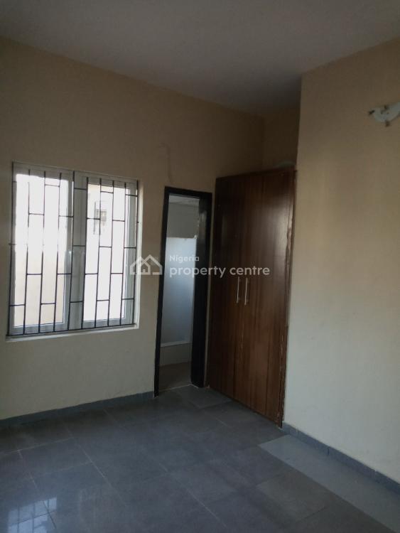 Executive and Decent 2 Bedrooms, Pilot Crescent, Off Bode Thomas, Surulere, Lagos, Flat for Rent