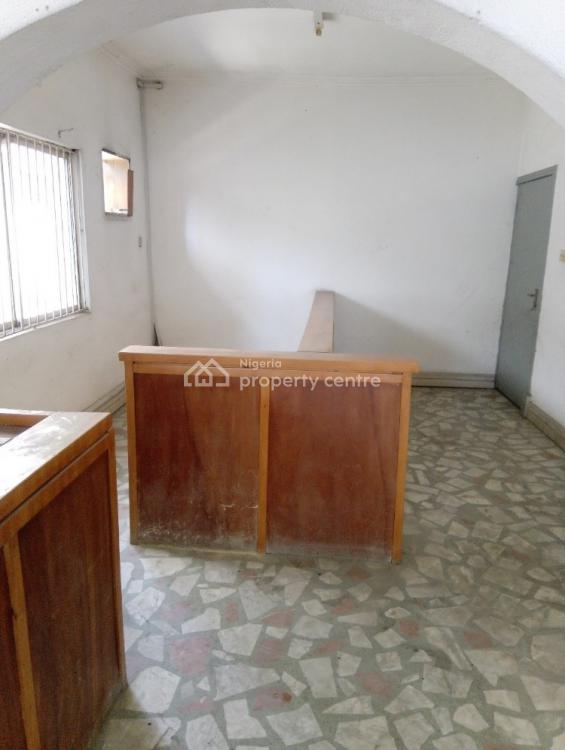 5 Rooms Commercial Property in a Well Commercialized Environment, Off Ligali Ayorinde Street, Victoria Island Extension, Victoria Island (vi), Lagos, Detached Duplex for Rent