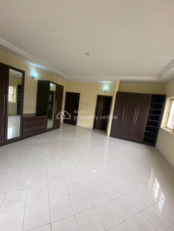 Affordable 3 Bedrooms Aparment and a Bq, Lekki Phase 1, Lekki, Lagos, Flat for Rent
