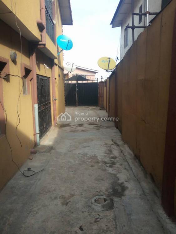 Neat 2 Bedrooms Flat, Downstairs, Off Aborisade Street, Lawanson, Surulere, Lagos, Flat for Rent