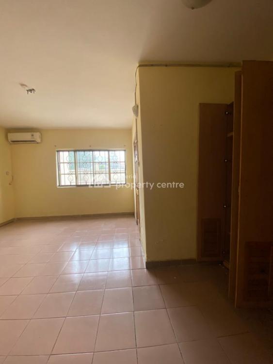 Affordable 3 Bedrooms Flat, Lekki Phase 1, Lekki, Lagos, Flat for Rent