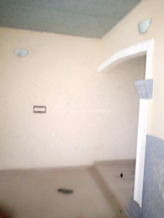 Neat and Spacious 2 Bedroom Flat, One Master Room., Okabere Road, Off Sapele Road, Benin City, Ikpoba Okha, Edo, Mini Flat for Rent