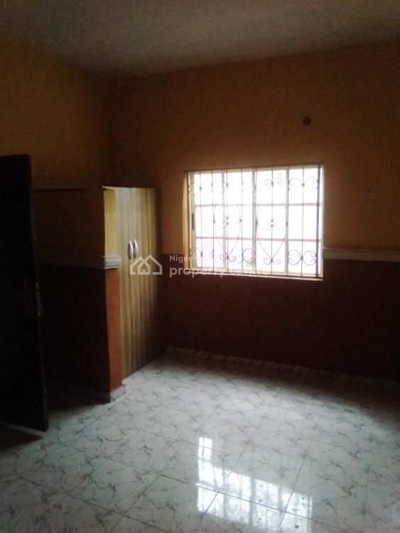 Tastefully Built 3 Bedroom Flat., Adekoya Road Bucknor Estate, Oke Afa, Isolo, Lagos, Flat for Rent