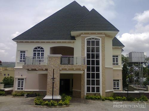For sale 7bedroom luxury house for sale ministers hill for Mansions in nigeria for sale