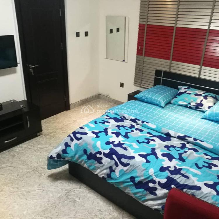 Luxury 2 Bedrooms Apartment with Pool, Ikate, Lekki Phase 1, Lekki, Lagos, Flat / Apartment Short Let