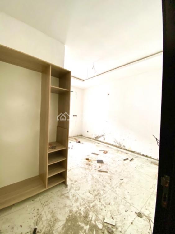 Four Bedrooms Terraced Duplex, Lafiaji, Lekki, Lagos, Terraced Duplex for Sale