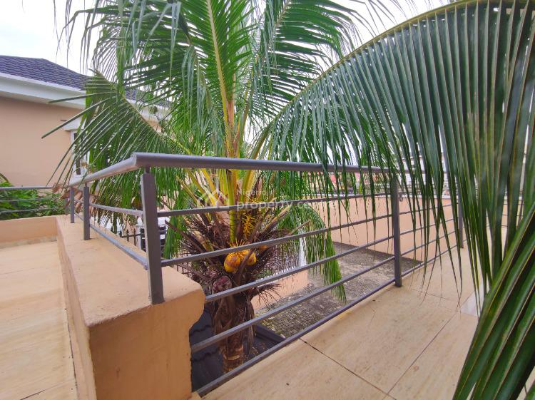 Luxuriously Finished 2 Bedroom Penthouse. 24 Hours Electricity. Garden, Off Admiralty, Lekki Phase 1, Lekki, Lagos, Flat for Rent