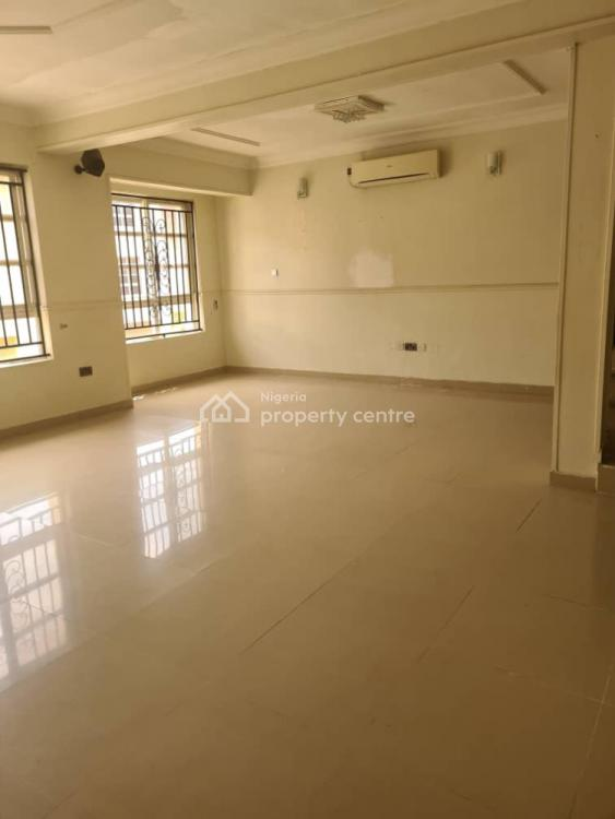 Fully Serviced 5 Bedrooms Terrace with a Room Bq, Chevron Drive, Lekki, Lagos, Terraced Duplex for Sale