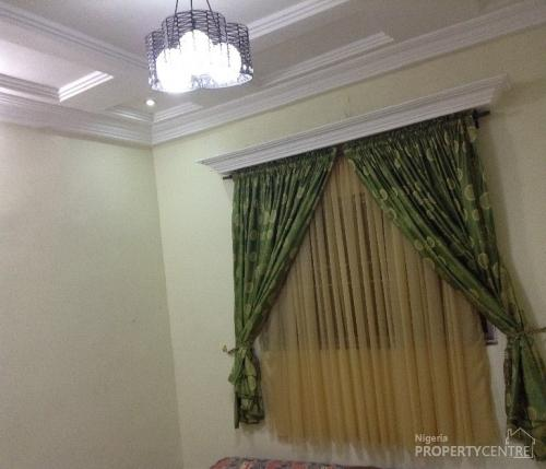 Three Bedrooms Apartment For Rent: For Rent: Luxury 3 Bedroom Apartments/flats, Woji, Port