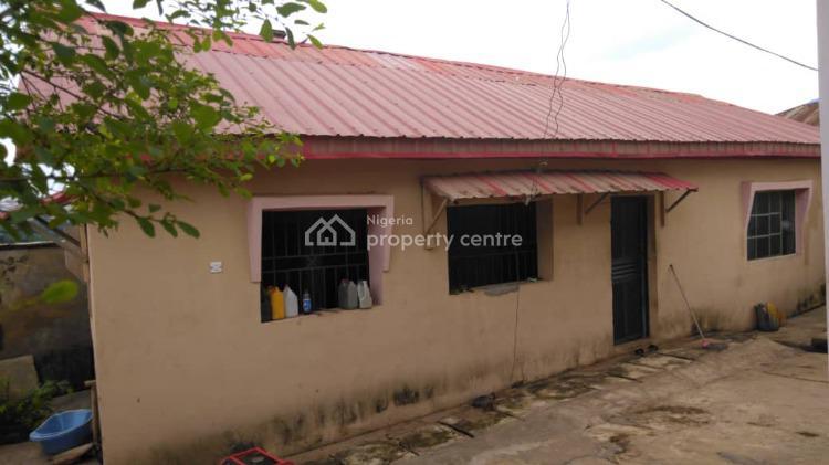 4 Bedrooms Bungalow with 2 Boys Quarters, Olounde, Ologuneru Area, Ibadan, Oyo, Detached Bungalow for Sale