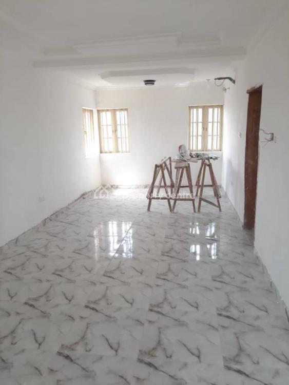 2 Bedrooms, Adeola, Gbagada, Lagos, Flat for Rent