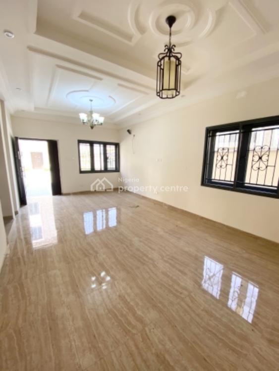 Serviced 4 Bedroom Terrace Duplex, Circle Mall Road, Osapa, Lekki, Lagos, Terraced Duplex for Sale