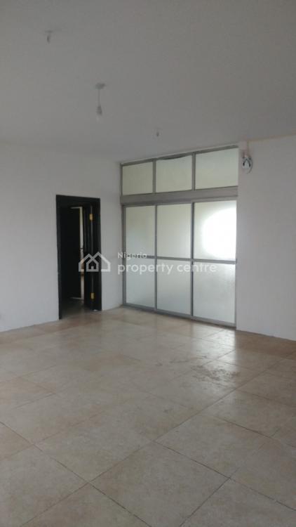 Decent 3 Bedrooms Flat, Off Babs Animashaun, Bode Thomas, Surulere, Lagos, Flat for Rent