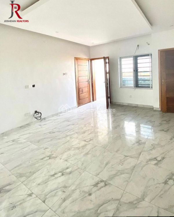 2 Bedroom Apartment, Lekki, Lagos, Block of Flats for Sale