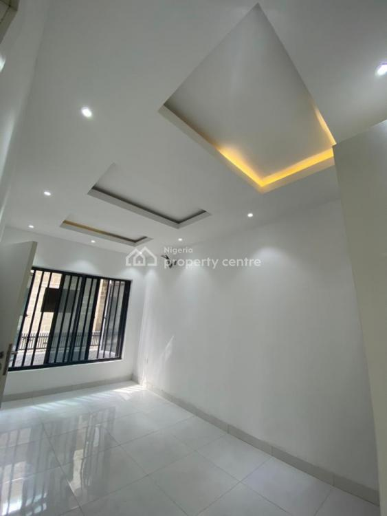 Luxury 2 Bedrooms House, Orchid, Lekki Phase 2, Lekki, Lagos, Block of Flats for Sale