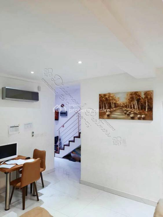 3 Bedroom Semi Detached Duplex, Off Admiralty Way, Lekki Phase 1, Lekki, Lagos, Semi-detached Duplex for Sale
