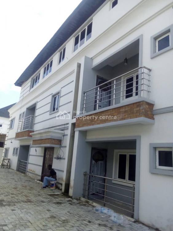 Spacious  Neat Three Bedroom Flat, Oral Estate, Lekki Phase 2, Lekki, Lagos, Flat for Rent