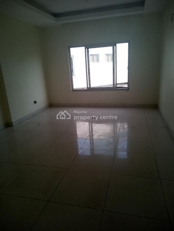 Spacious and Superbly Located Commercial Property on a Busy Road, Victoria Island (vi), Lagos, Commercial Property for Rent