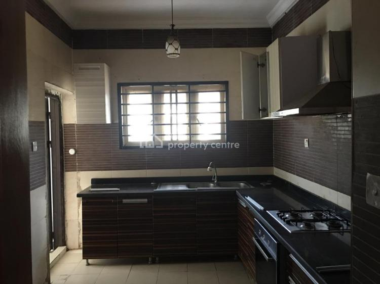 Serviced and Spacious 3 Bedroom Flat, Lavender 2 Estate, Yabatech, Yaba, Lagos, Flat for Rent