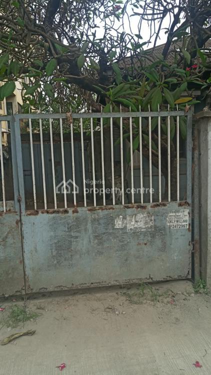 Fine Solid Old Bungalow, Olonode, Alagomeji, Yaba, Lagos, Detached Bungalow for Sale