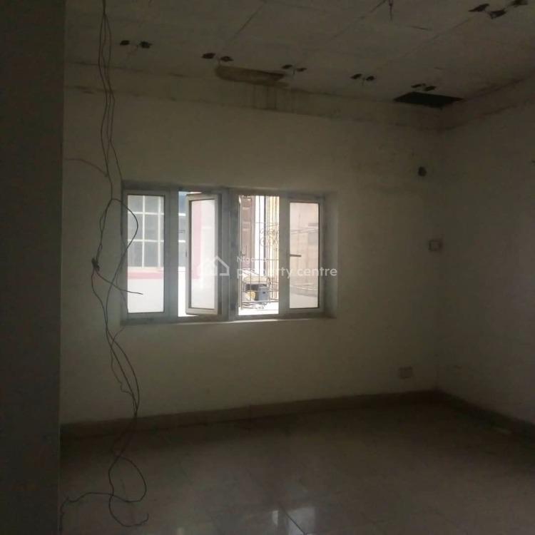 Lovely 6 Bedrooms Duplex + 2 Bedrooms Bq, Borno Way Road, Ebute Metta West, Yaba, Lagos, Office Space for Rent