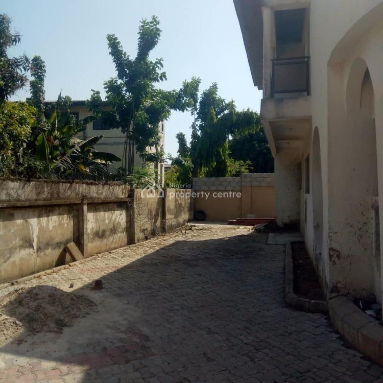 a Demolishable Old House on 900sqm Land, Maitama District, Abuja, Detached Duplex for Sale
