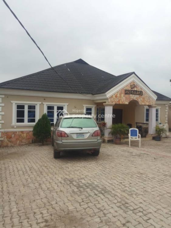 3 Bedroom Bungalow with 2 Bedroom Bq, Oluyole, Ibadan, Oyo, Detached Bungalow for Sale