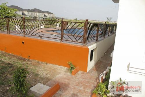 For Sale 5bedroom Detached House With A Swimming Pool For Sale At Pinock Beach Estate Road