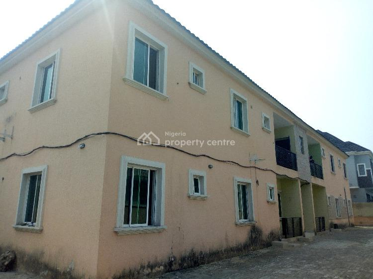 3 Bedroom Flat. All Rooms Ensuite in a Gated Estate, Behind Shoprite ( Circle Mall), Osapa, Lekki, Lagos, Flat for Rent