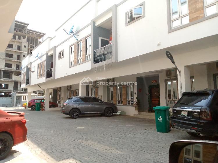 4 Bedrooms Terraced House with 24 Hours Power, Lafiaji, Lekki, Lagos, Terraced Duplex for Sale