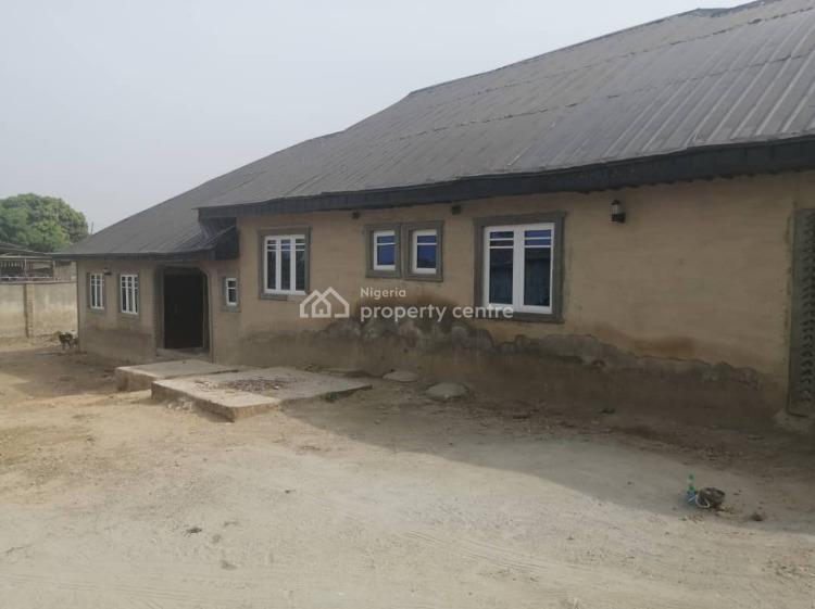 3 Bedroom Twin Flat, Emoo Area, Olodo Bank, After Iwo Road Olodo, Ibadan, Oyo, Block of Flats for Sale