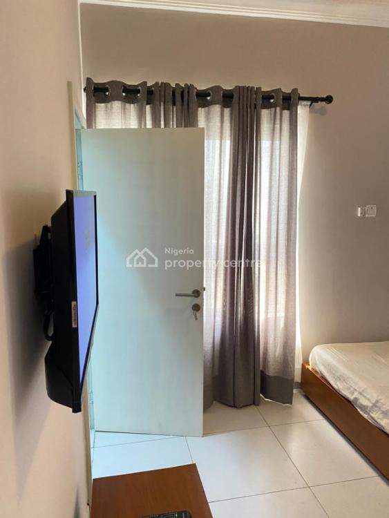 Tastefully Furnished 2 Bedroom Apartment, Off Admiralty Road. Lekki Phase 1, Lekki Phase 1, Lekki, Lagos, Flat Short Let