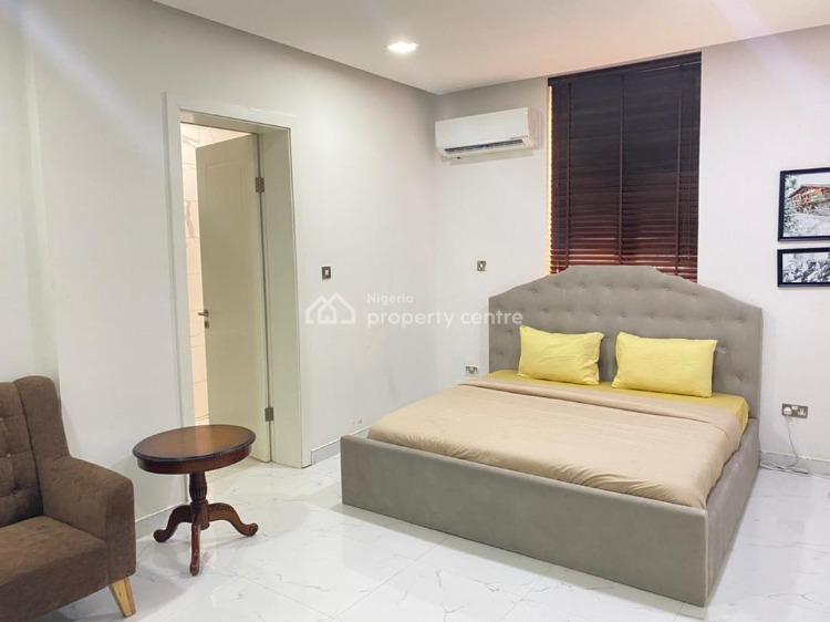 Cozy 3 Bedroom Apartment with Swimming Pool, Banana Island, Ikoyi, Lagos, Flat Short Let
