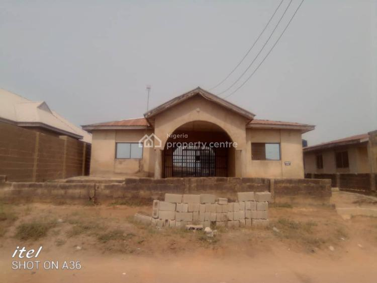 3 Bedroom Flat, 3 Toilet 3 Bath with Room and Parlour Self Contain, Kuelu Area Lyana Agbala, Ibadan, Oyo, Detached Bungalow for Sale