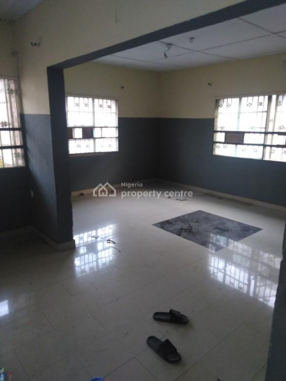 Spacious and Neat 3 Bedroom Flat in a Cool Area, Fashoro Road, Abidemi Agent, Surulere, Lagos, Flat / Apartment for Rent