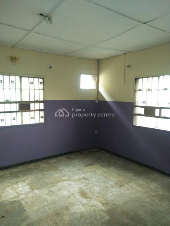 Spacious and Neat 3 Bedroom Flat in a Cool Area, Fashoro Road, Abidemi Agent, Surulere, Lagos, Flat for Rent