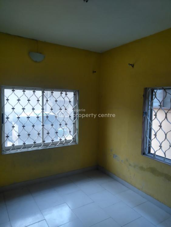 2 Bedroom Flat in a Good Environment, Off at.finbarrs Road,abidemi Agent, Akoka, Yaba, Lagos, Flat for Rent