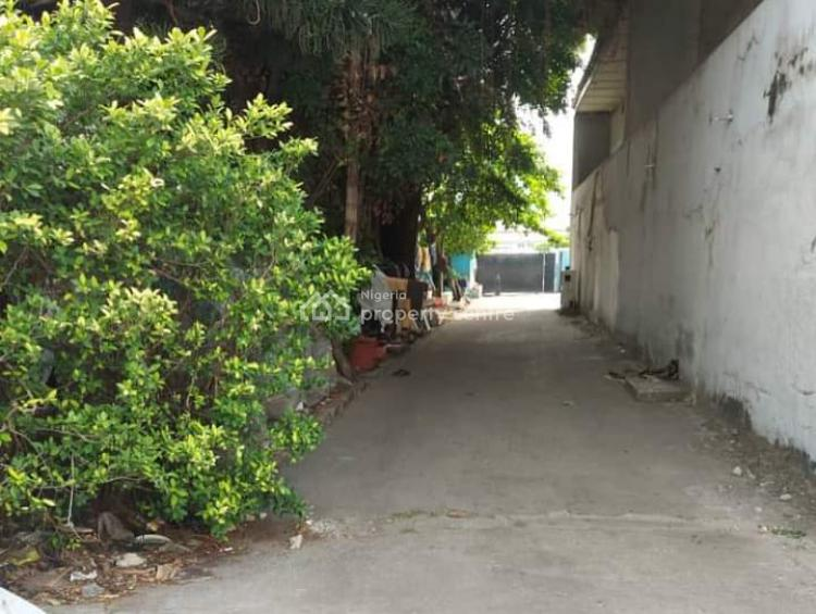 Commercial Building on 1817sqm, Akin Adesola Street/expressway (vi) Near Ikoyi, Victoria Island (vi), Lagos, Commercial Property for Sale