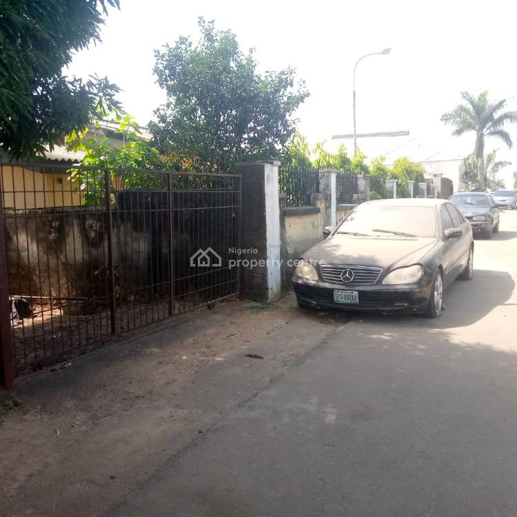 800sqm with Demolishable 4 Bedrooms Bungalow, Close to Julius Berger Camp, Life Camp, Abuja, Residential Land for Sale