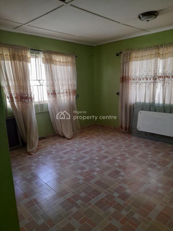 2 Bedroom  Flat with Excellent Facilities, Ologuneru, Ibadan, Oyo, Flat for Rent