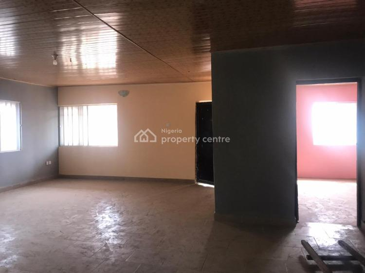Spacious 3 Bedroom Flat, Yaba, Lagos, Flat for Rent