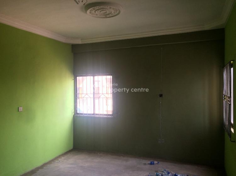 Spacious 3 Bedrooms Upstairs Office Space, Haruna Bus Stop, Ikorodu, Lagos, Flat for Rent