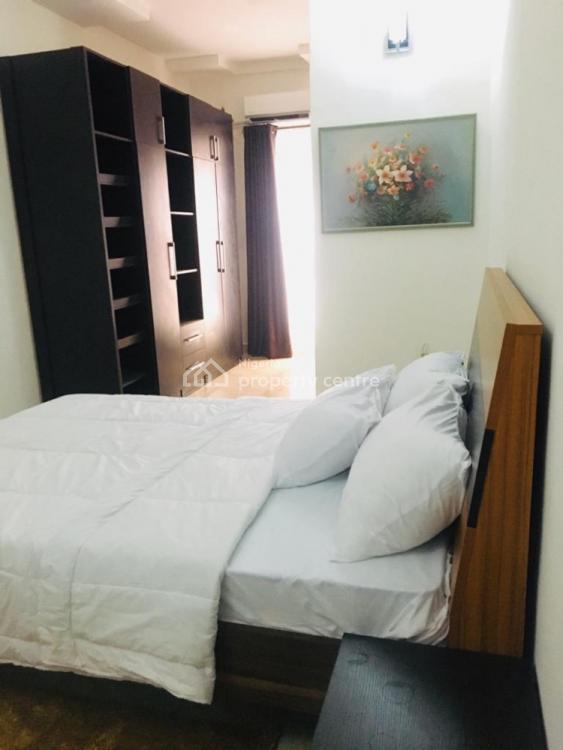 Luxurious 4 Bedroom, Chevron Drive, Lekki Phase 2, Lekki, Lagos, Semi-detached Duplex Short Let