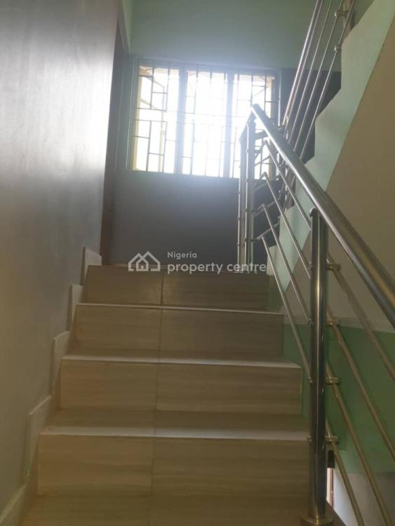an Executive Three Bedroom Flat, Surulere, Lagos, Flat for Rent