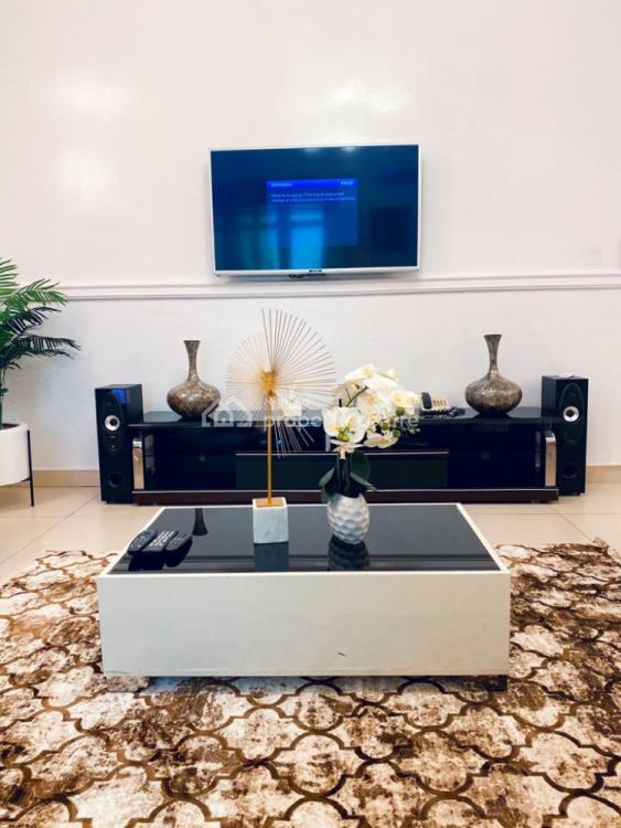 Gorgeous 3 Bedroom Flat with Unlimited Wifi, Ikate, Lekki, Lagos, Flat Short Let