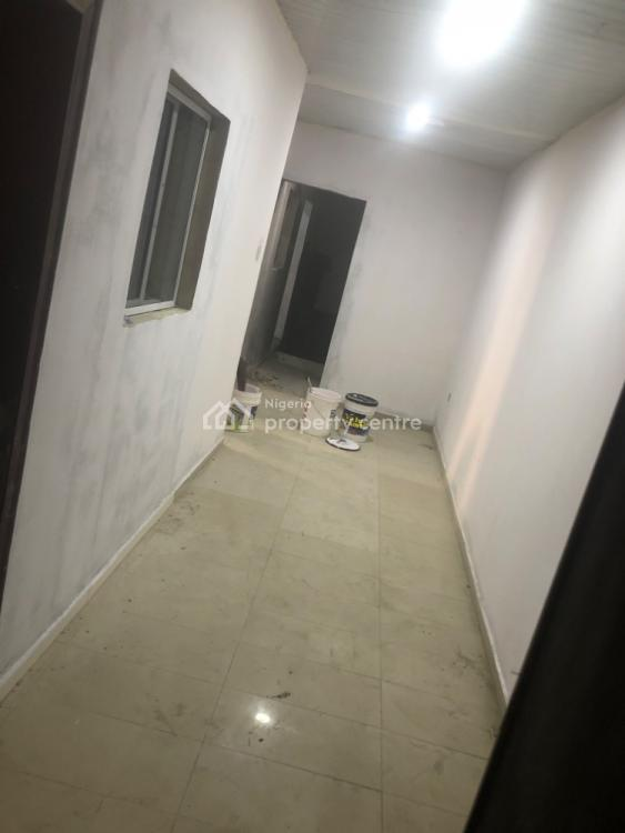 Well Renovated Mini Flat, Lekki Phase 1, Lekki, Lagos, Mini Flat for Rent