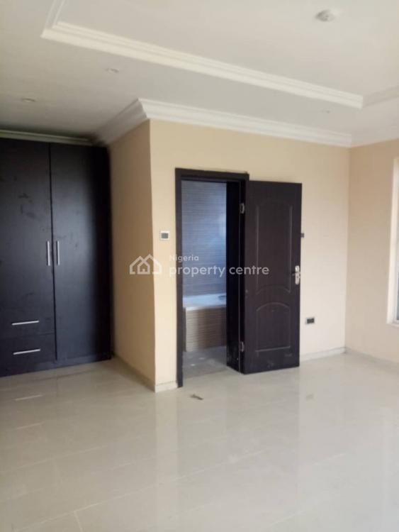 3 Bedrooms Luxury Flat, Sora Estate Alpha Beach Rd, Igbo Efon, Lekki, Lagos, Flat for Sale