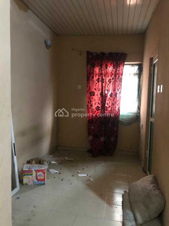 Executive Room Self Contained, Off Finbarrs Road Akoka, Akoka, Yaba, Lagos, Self Contained (single Rooms) for Rent