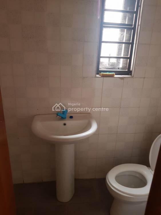 Decent and Standard 3 Bedroom Flat, Gateway Zone Magodo Phase 1, Olowora, Magodo, Lagos, Flat for Rent